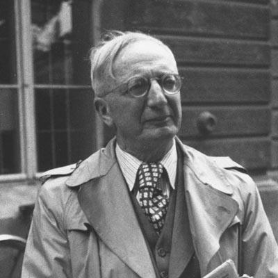 معرفي کتاب هاي آلفرد دوبلین
